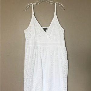 Land Bryant White eyelet lace dress